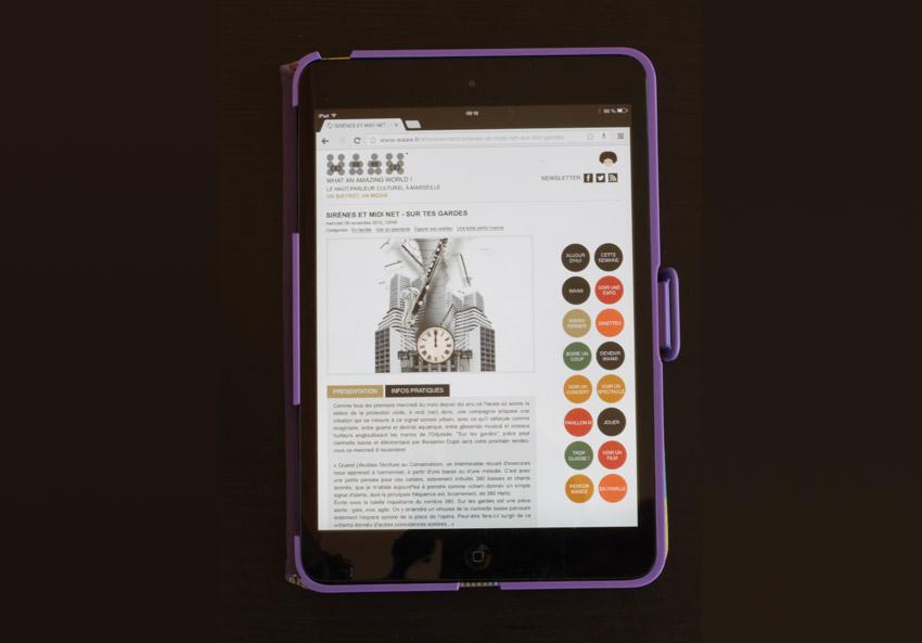 le site du WAAW sur tablette ipad mini site responsive design